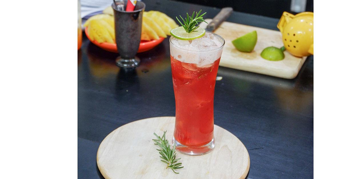 công thức trà dâu hương thảo